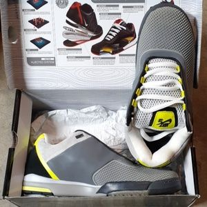 Nike zoom trend grey white and flourescent yellow